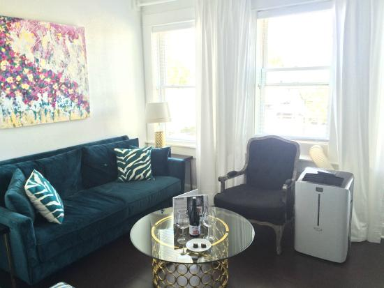 3rd Street Flats : 9th Flat - Dangerously comfy sofa