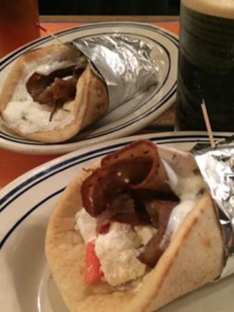 Greek Key Restaurant & Bar: Greek Key Gyros