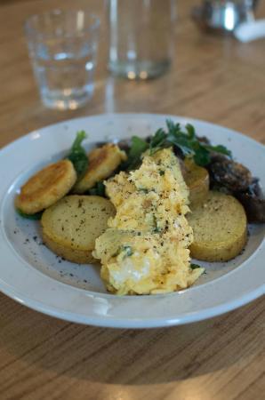 Beach House Cafe: lifestyle breakfast