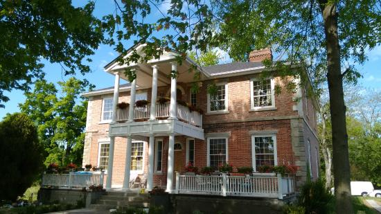 Historic Locust Grove Canada Bed & Breakfast