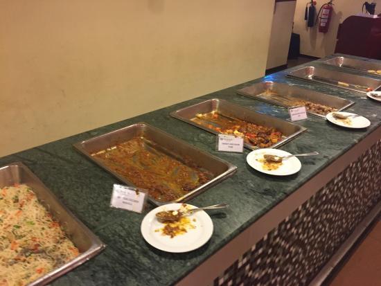 Ramada Katunayake Colombo International Airport: Dinner buffet !