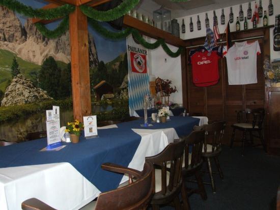 Sandra's German Restaurant: Inside Sandra's