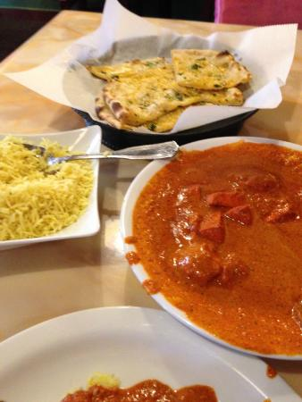 Mr. Tandoori Urban Bar and Grill: Chicken Tikka Masala