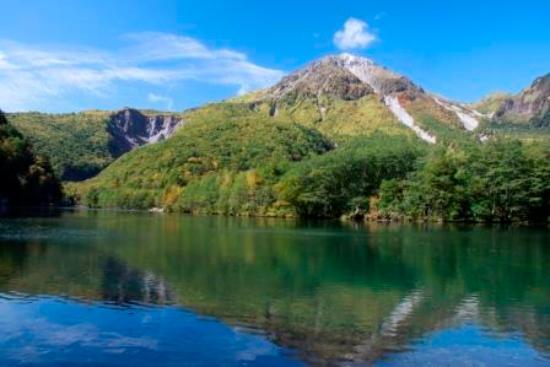 大正池と焼岳 - 松本市、大正池の写真 - トリップアドバイザー