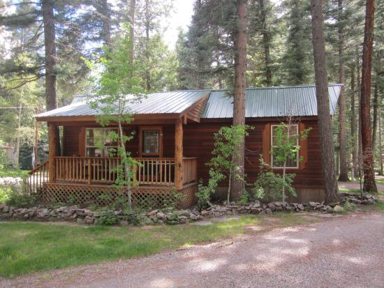 Vallecito Lake, CO: The one bedroom cabin.