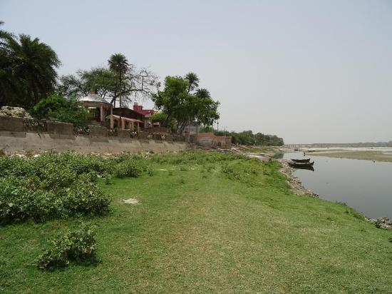 Massacre Ghat (Satti Chaura Ghat)