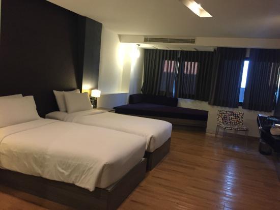 Trinity Silom Hotel : room