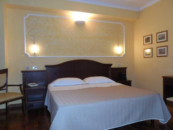 Grand Hotel Italia: Our bed in this hotel