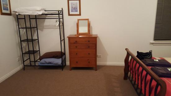 Giants' Table and Cottages : Bedroom