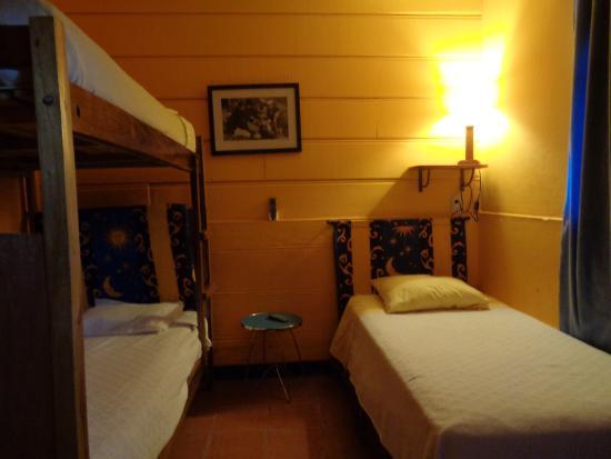 Hotel La Dolce Vita : Habitación #6 para 3 persona (a lado esta el bar)