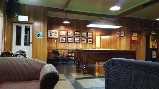 Stanley Hotel : Pub