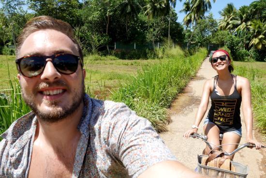 เอปาวิลลาลูเกเทีย: Exploring the local areas on the hotels bikes