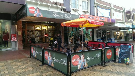 Stonie's Restaurant & Coffee Lounge