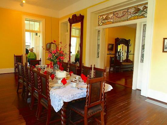 Southdown Plantation & Museum: dining rooom