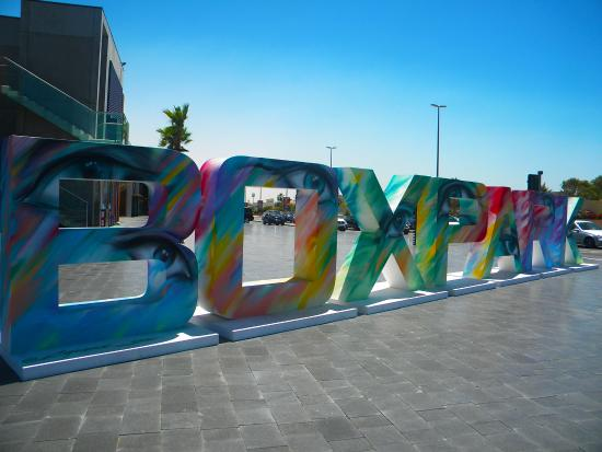 Moyen-Orient : Box Park- The new social hub of Dubai.