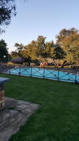 Omaramba Holiday Resort & Conference Centre: Swimming pool