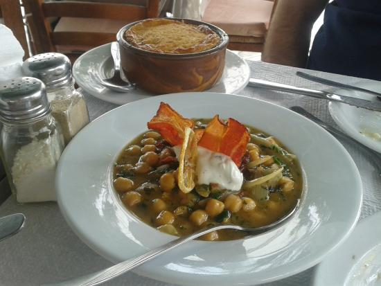 Argo Restaurant: Chick peas with crispy bacon, caramelized onion and lemon comfit