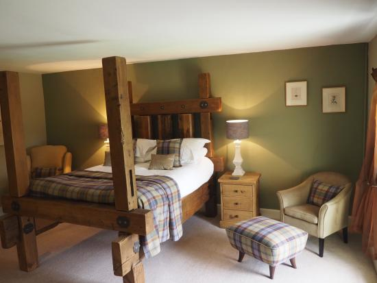 "Graythwaite, UK: ""Catbells"" 4 Poster Bedroom"