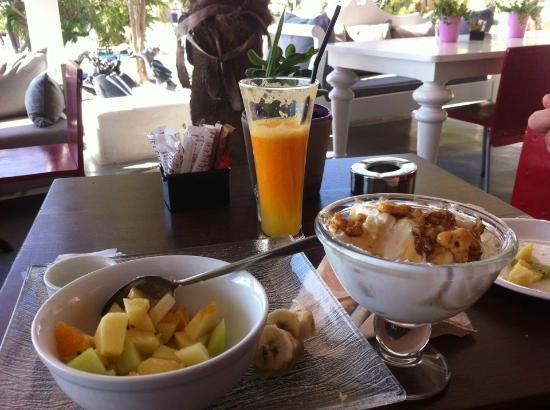 Dazur Restaurant Cocktail Bar : colazione da sogno :)