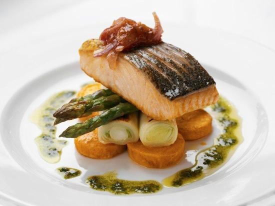 The Townhouse Hotel: Main Course Salmon