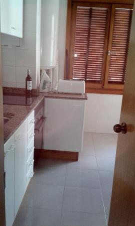 Apartments Maricel 1: Kitchen