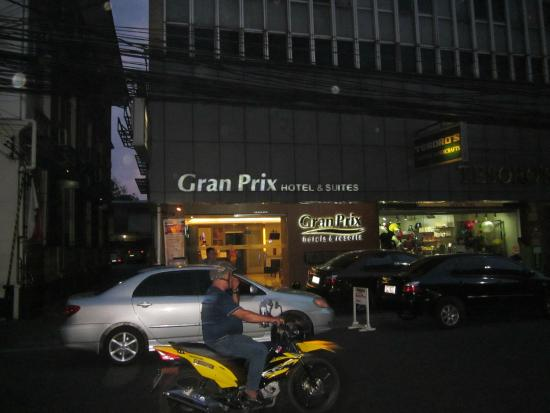 Gran Prix Hotel and Suites Manila : front