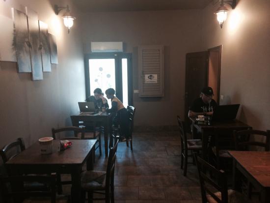 """Terranuova Bracciolini, Italy: Bar Alimentari Tabacchi """" I' Lupo"""" di roberta e cosimo"""