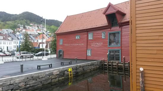 The Norwegian Fisheries Museum: The frontide entrance area. The city sightseeing bus stops right here.