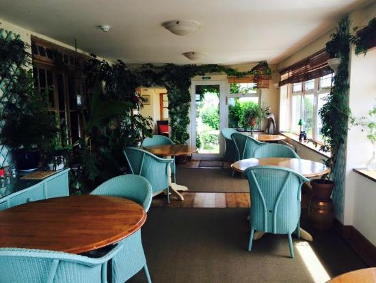 Henley Hotel: The dining room that looks out over two aspects of the view