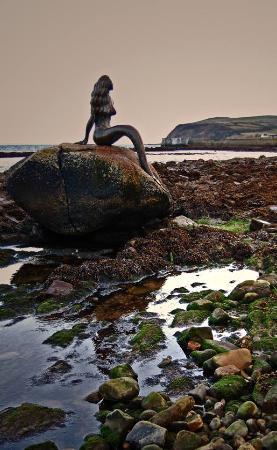 Balintore, UK: Mermaid sitting on her rock