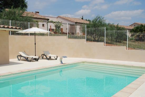 Mas du Sabartes : La piscine