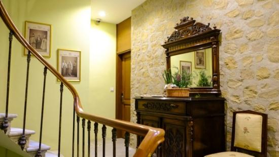 No11 Hotel & Apartments: second floor