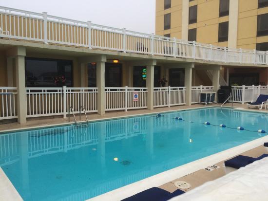 Clarion Inn & Suites Virginia Beach: photo1.jpg