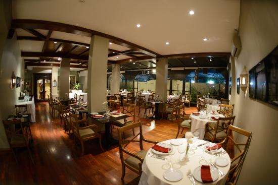 Restaurante don salvador picture of hotel almeria for Casa moderna restaurante salta