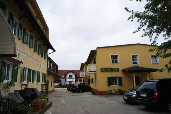 Hotel Gretl: Вид на оба корпуса отеля