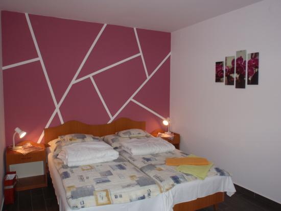 Erika Pension & Apartments: Our room