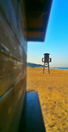 Hotel Avenida Playa: Caseta de salvamento en la playa de Zahara