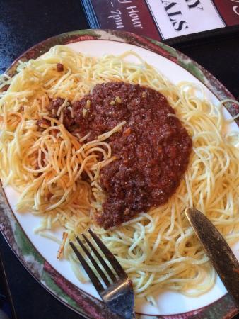 Kabos Family Restaurant: Spaghetti
