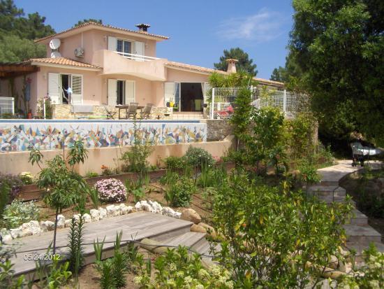 Vue du jardin photo de villa la greck maison d 39 hotes for Villa du jardin sentosa