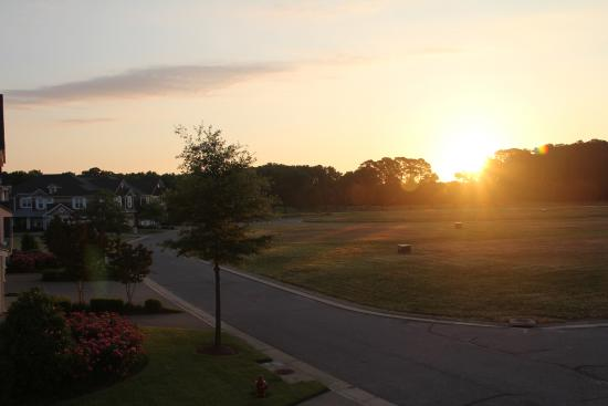 Bay Creek Vacation Rentals: Nice sunrise view from the balcony