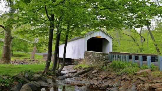 ‪Loux Covered Bridge‬