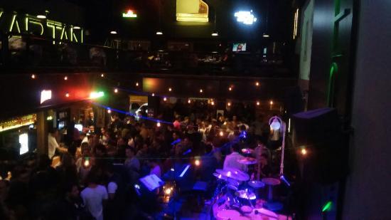 Kapitan Food & Music Bar