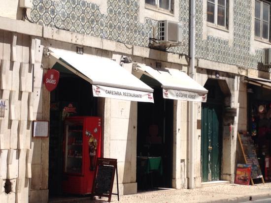 Fachada de O cofre verde, Lisboa