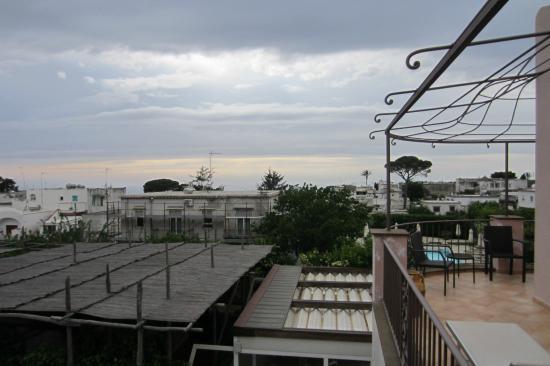 Casa Mariantonia: Looking toward the sea
