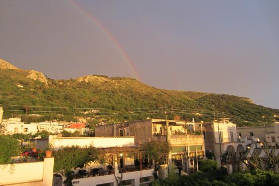 Casa Mariantonia: Looking toward the mountain