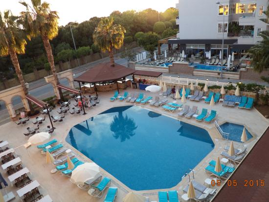 Sara Hotel: Også lidt godt udsyn fra  teresse