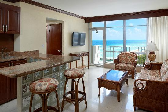 Newport Beachside Hotel And Resort Executive Suite