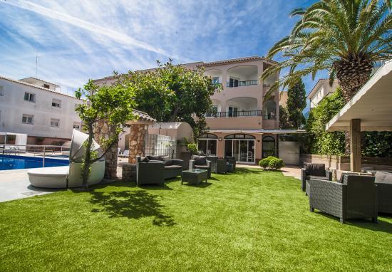 Apartamentos Royal Life: Espectacular terraza para disfrutar del sol