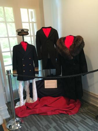 Staunton, VA: Wilson's clothing on display