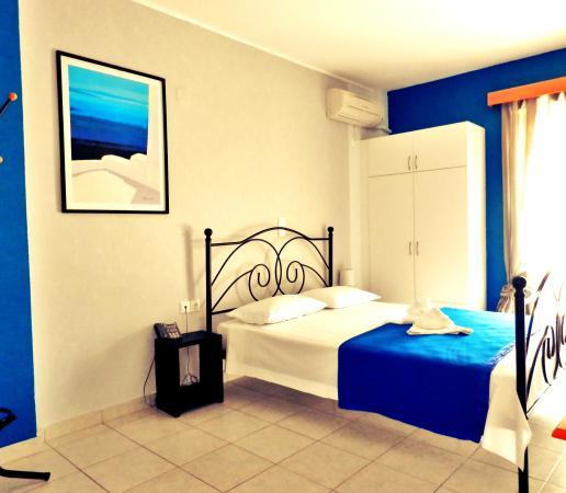 Sagini Hotel: the blue room :)